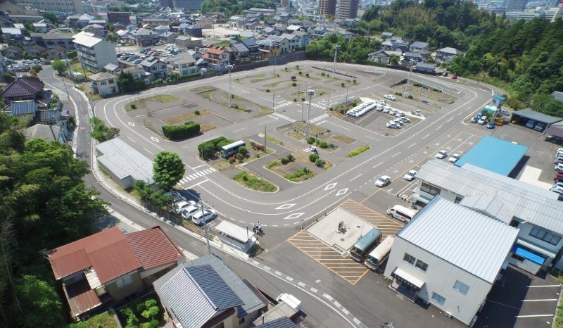 県下最大級の広いコースでのびのび教習 島根自動車学校